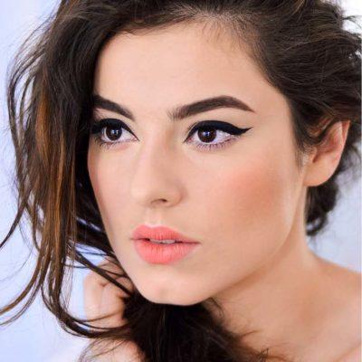 cursuri online self makeup eyeliner
